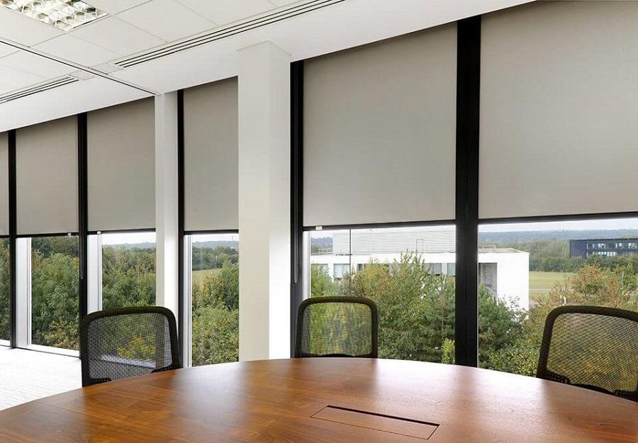 Rèm cửa kính dành cho văn phòng sang trọng hiện đại