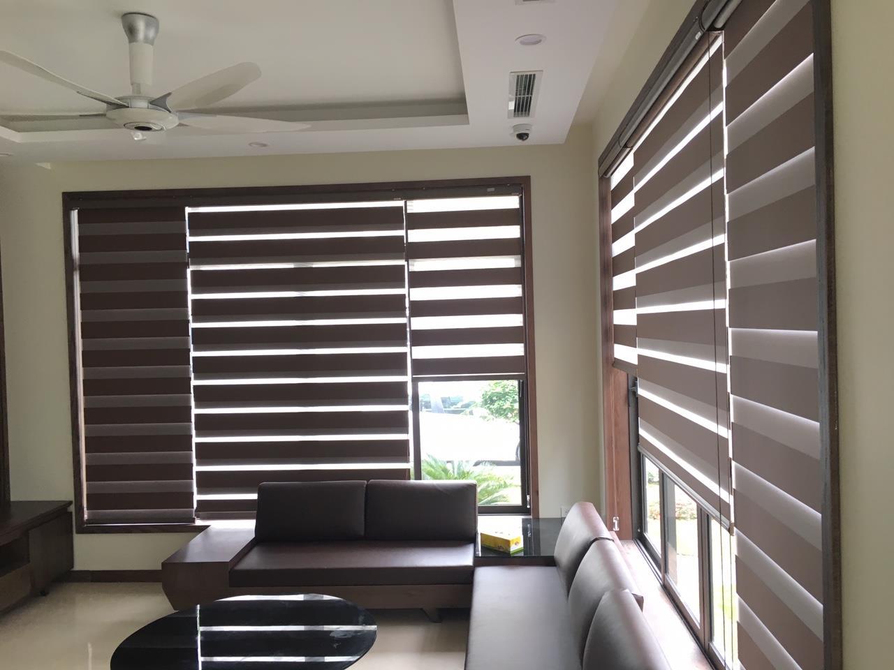 Rèm tre và rèm cửa gỗ được sử dụng cho nhà hàng truyền thống