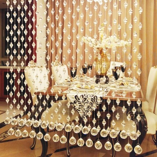 Rèm mành pha lê phù hợp với không gian nhà hàng sang trọng